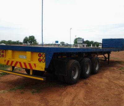 Trailer Triple Axle truck